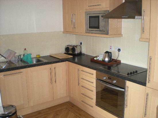 City Apartments Newcastle - Quayside: Kitchen