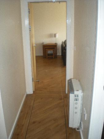 City Apartments Newcastle - Quayside: Hall Way 2