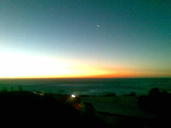 The Oceana & Camps Bay Luxury Suites: Sunset from our terrace
