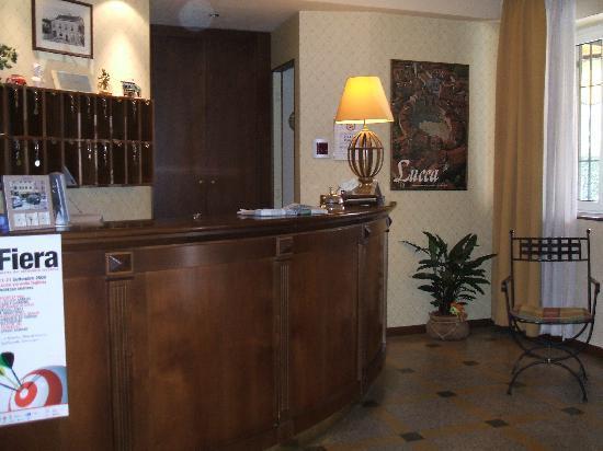Hotel Melecchi: Foyer