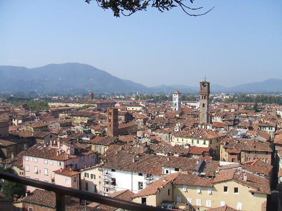 ‪اوتيل ميليتشي: View of Lucca‬
