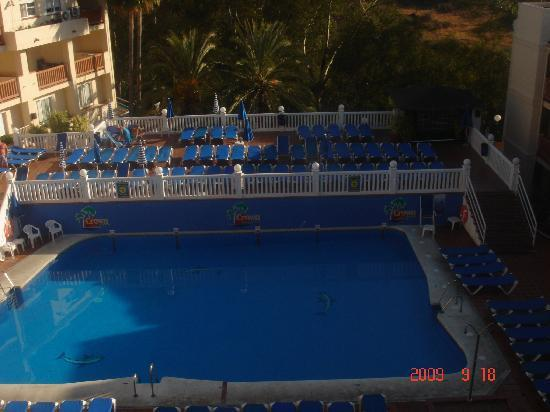 Crown Resorts Club Marbella / Club Regency Palms: the main pool, much bigger than i though from pictures on rci website
