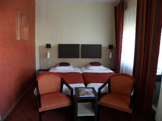 Room in Suisse Hotel