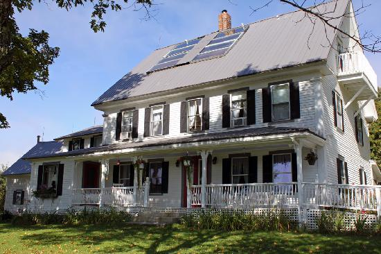 Bishop Farm Bed and Breakfast: The House