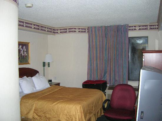 Sleep Inn Tanglewood: The room as seen from the door