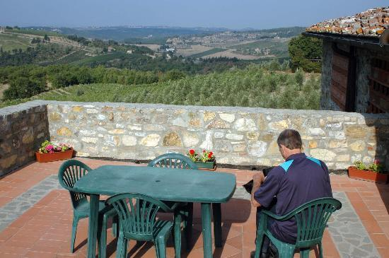 Il Vallone di Cecione : The view from the terrace is spectacular