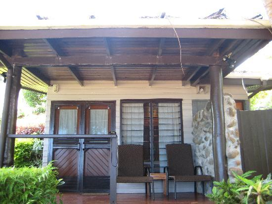 Coconut Grove Beachfront Cottages: Banana Bure