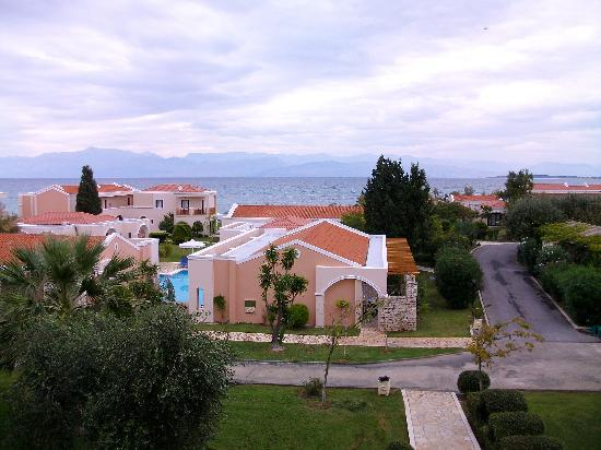 Roda Beach Resort & Spa: balcony view