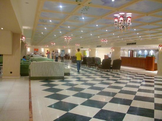Roda Beach Resort & Spa: reception