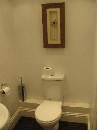 Hillcrest Guesthouse: Toilet
