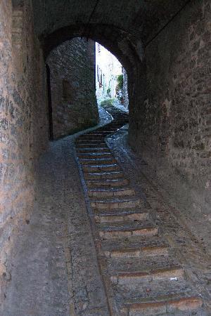 Spello, إيطاليا: Spello pedestrian street