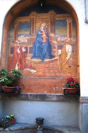 Spello, إيطاليا: Spello mural