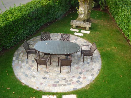 Chateau de Mole: The Garden