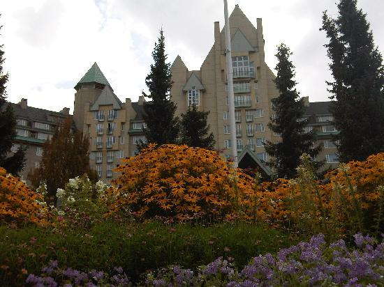 Fairmont Chateau Whistler Resort: Resort exterior.