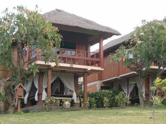 Emerald Tulamben Beach Hotel