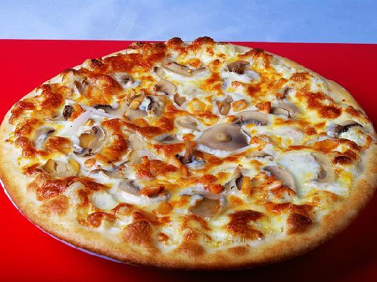 Pizza2Pizza (Zhongshan 8 Rd. Main Branch): Delicious pizza