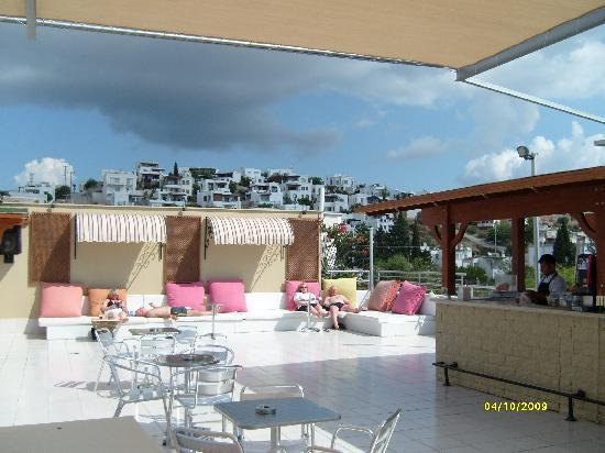 Eken Resort Hotel: roof terrace