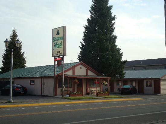 Evergreen Motel: vue de la rue