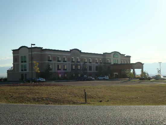 Comfort Inn & Suites: vue hotel