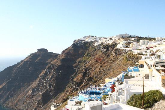 Lithies Traditional Homes: Photo of Oia town from hotel
