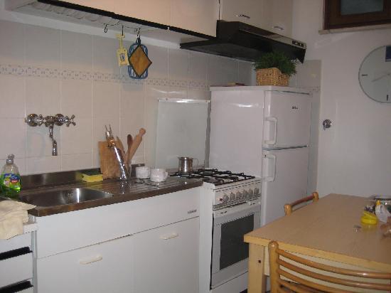 Camere Manuela Moggia : The spotless kitchen