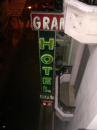 Gran Hotel Espana: Hacia la calle