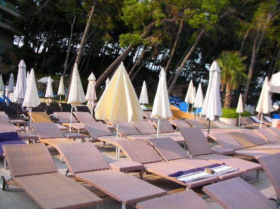Le Meridien Lav Split: pool area