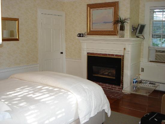 Captain Fairfield Inn: Our room - Sweet Liberty