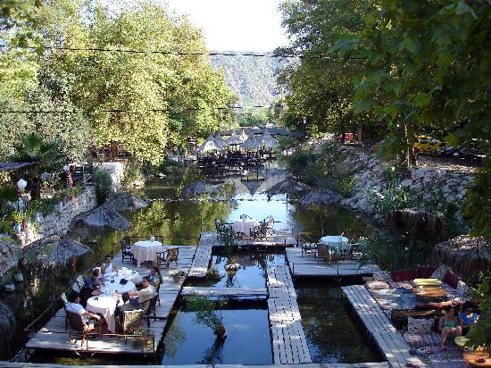 Ottoman Palace Hotel: River Restaurants