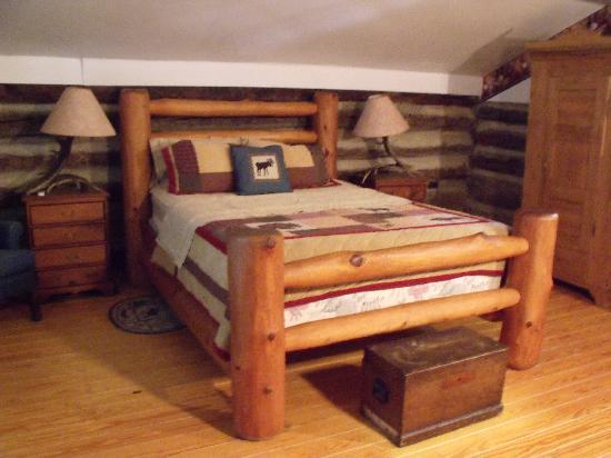 Loft Bedroom In Cabin 5 Tobacco Barn Cabins