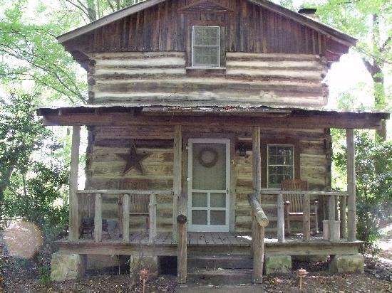 Front Of Tobacco Barn Cabin 5 Picture Of Pilot Knob