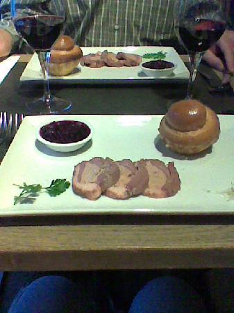 Le Cap: entrée, tranches de magret fourrées au foie gras