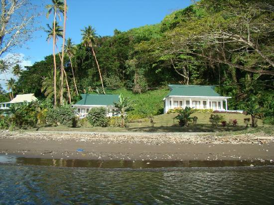 Daku Resort: Beach to villa