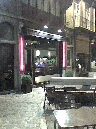 Citizen: façade restaurant