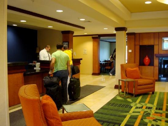 Fairfield Inn & Suites Augusta: Lobby