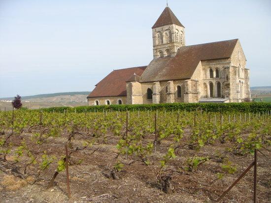 Cuis church at the start of a circular walk