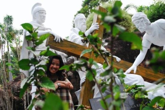 Palangkaraya, Indonesia: Ngintip di dedaunan