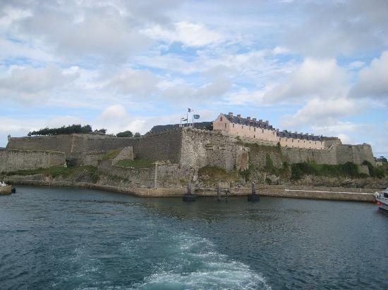 Le Palais, France : La Citadelle depuis la mer