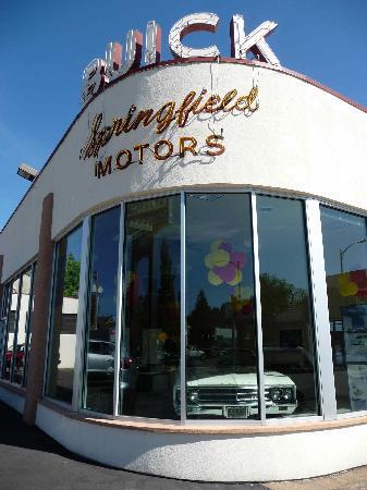 Springfield Museum: Buick dealer
