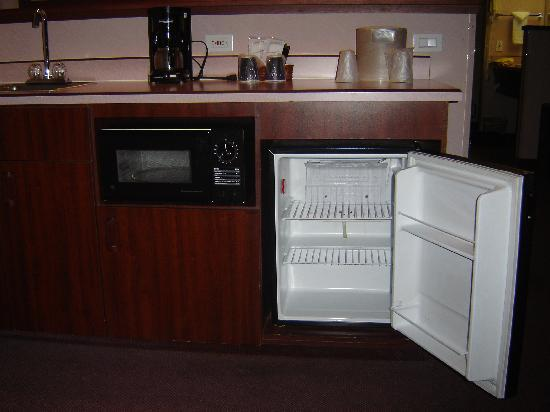 Best Western Wilsonville Inn & Suites: Fridge!