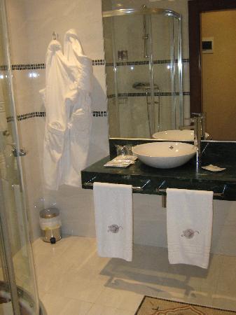 Hospederia del Vino: bathroom