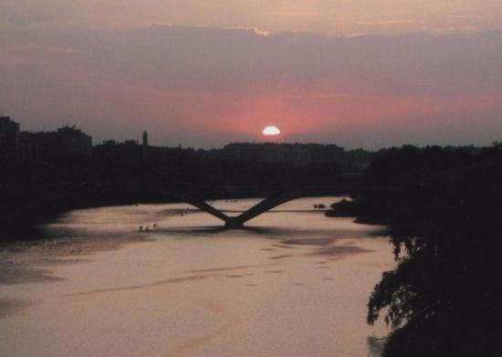 El Ebro: River Ebro - Zaragoza, Spain