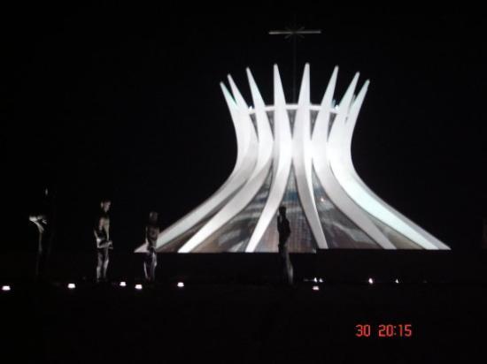 Catedral Metropolitana: BRASÍLIA/DF