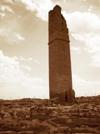 Konya, Turkije: the great astronomy tower! significantly shorter than its original height