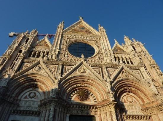 Torrita di Siena, Italia: Duomo ( Siena)