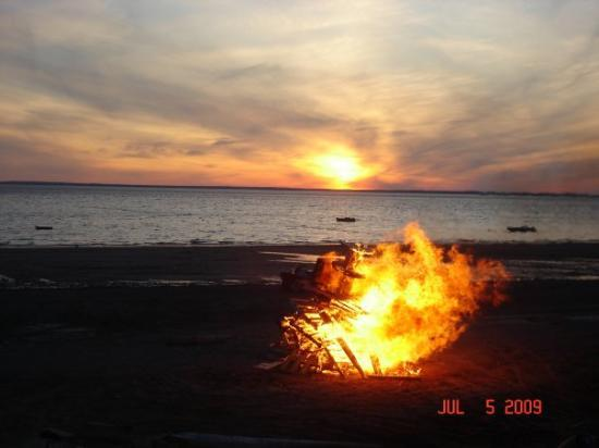 Naknek, AK: BONFIRE TIME .....   about midnight