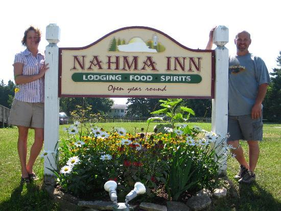 Nahma, MI : Laurie and Charley MacIntosh owners