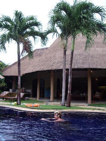 The Villas Bali Hotel & Spa: villa grounds