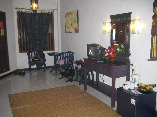 Hotel Puri Cendana: another view of room