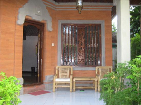 Hotel Puri Cendana: our terrace